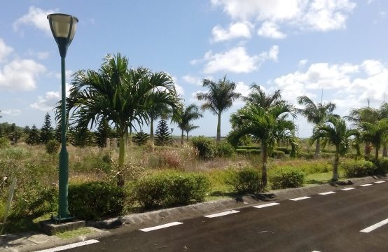 Charming by nature! Very beautiful freehold land